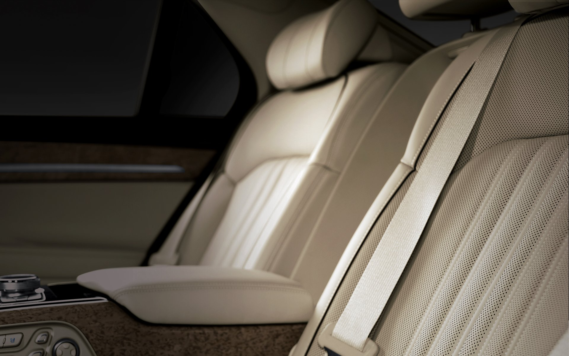 GENESIS EQ900 Design Features - Prime Nappa leather seats