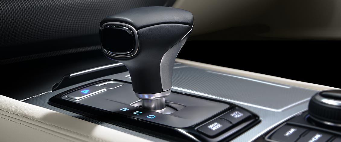 8-SPEED AUTOMATIC WITH SHIFTRONIC®  AND PADDLE SHIFTERS