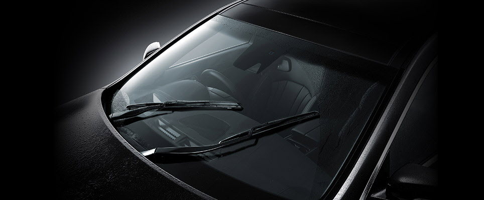 RAIN-SENSING WIPERS WITH AUTO DEFOGGER WINDSHIELD