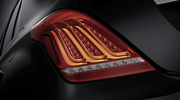 GENESIS G90 Design Features - LED Rear Combination Lamps